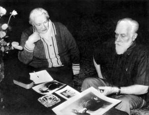 Л.В. Шапошникова и С.Н. Рерих за работой над книгой, Бангалор, Индия, 1988 г.